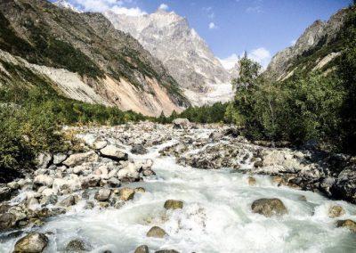 Chalaadi gletsjer rivier